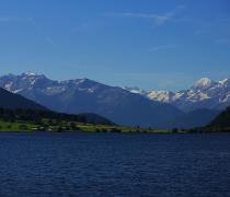 Mountain panorama on the Haidersee